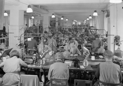 Image from object titled Interiör från Tigers fabrik på Södra Hamngatan 1937