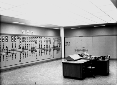 Image from object titled Siemens, Elverkets kontrollrum, interiör.