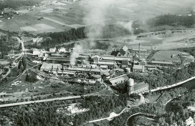 Image from object titled Stockholms Superfosfat Fabriks AB. Flygfoto över Ljungaverken 1938.