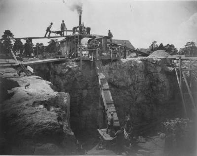 Byggandet av vattenreservoiren i Stadshagen omkring 1900.
