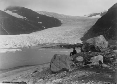 Sjangeli koppargruvor i Lappland. Glaciären Svartisen i Norge.