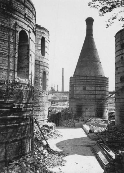 Image from object titled Rörstrands Porslinsfabrik Stockholm. Rivning av en av de två äldsta fältspatugnarna.