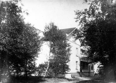 Image from object titled Stora villan, Mössebergsparken.