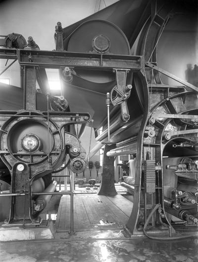 """Image from object titled Bild från Billerud-ägda Slottsbrons bruk. Kommentar från en användare:""""Byggnationen av fabriken påbörjades i november 1897. Den 17 februari 1899 kördes fabriken igång""""."""