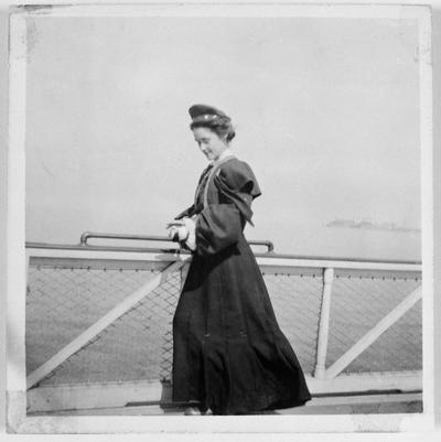 Image from object titled Ingeborg Johnsson, gift Frankmar, emigrerade till Amerika 1901, när hon var 17 år. Ingeborg var folkskollärardotter från Köinge,  i Halland. Hon ville gå i folkhögskola, men familjen hade inte råd, därför emigrerade hon. Ingeborg reste med fartyget Ariosto från England och vidare till Amerika med fartyget Ivernia. Efter sex år i Amerika återvände hon hem till Sverige 1907.