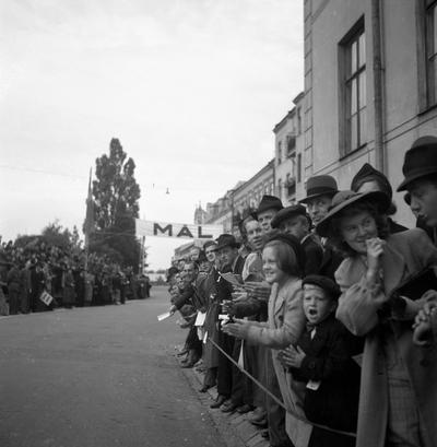 Image from object titled Cykelloppet Herrhagen runt 1941. Mål vid Herrhagsparken.