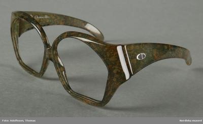 Glasögonbåge