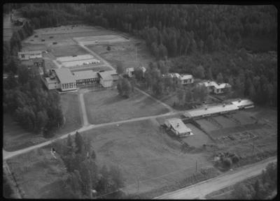 Flygfoto ver Skinnskattebergs folkhgskola - Europeana