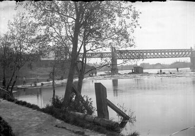 Järnvägsbro över Dalälven.