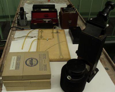 Medische apparatuur in doos