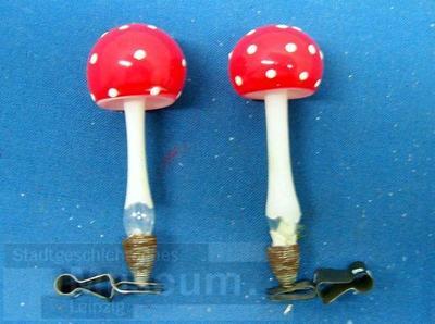 Image from object titled Weihnachtsdekoration; Weihnachtsschmuck; Fliegenpilz; Pilz
