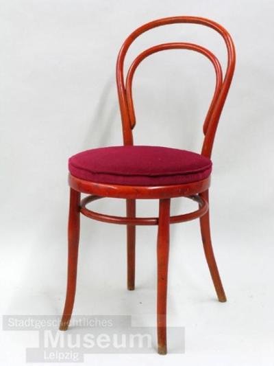 Image from object titled Thonet-Stuhl Modell Nr.14; Bugholzstuhl