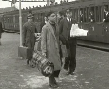 Image from object titled Spanish refugees in our country