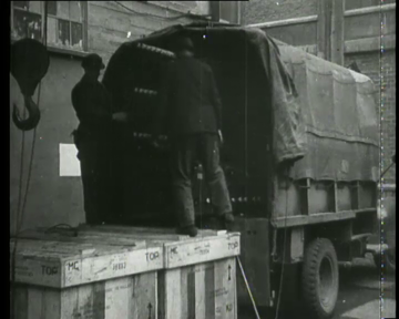 Image from object titled The machines of Philips return from Germany