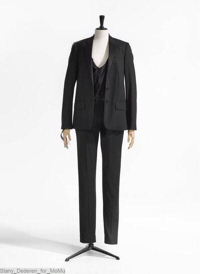 Smoking jas in zwart katoen,kraag met opslagen in satijn; sluit met twee knopen