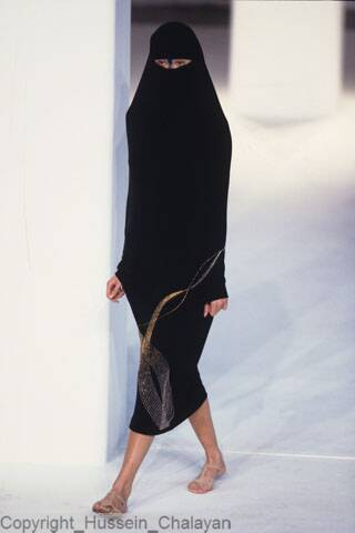 Hussein Chalayan : Collection S/S 1998: S/S 1998 : Between
