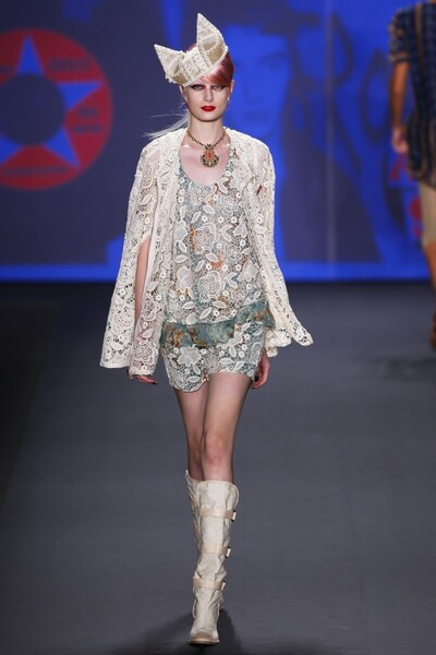 Anna Sui Womenswear Spring-Summer 2013