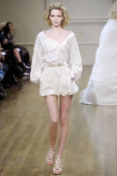 Julien MacDonald , Spring-Summer 2011, Womenswear
