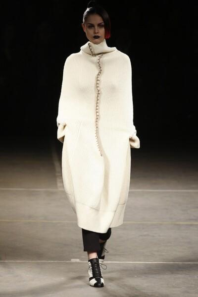 Yohji Yamamoto, Autumn-Winter 2012, Womenswear