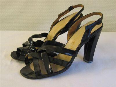 Sandalen in zwarte laqué