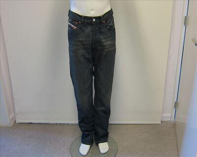 Broek in donkerblauwe jeans