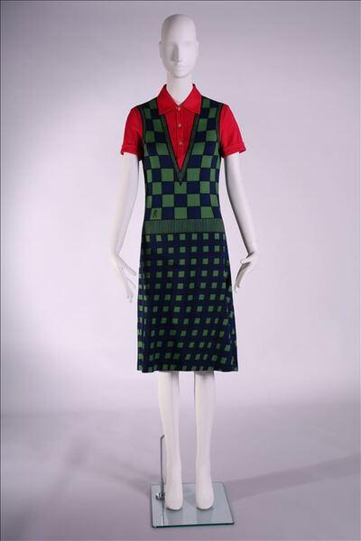 Jurk in tricot met optisch bedrukking in de vorm van een ensemble