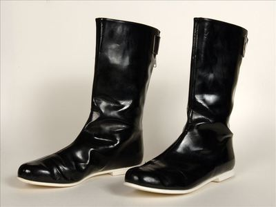 Korte laarzen in zwart PVC