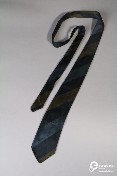 Donkerblauwe kravat met groen-blauwe diagonale strepen