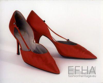 Sapatos de salto alto forrados