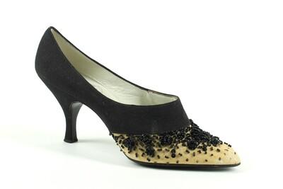 crepe de Chine di seta nero e beige con ornamento di perline e paillettes nere