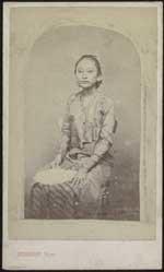 Portret van Ratoe Mas, gemalin van Soesoehoenan Pakoe Boewono IX van Surakarta