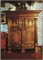 """Interieur van de stijlkamer van de oudheidkamer van """"de Ouwe Pôlle"""" te Hollum."""