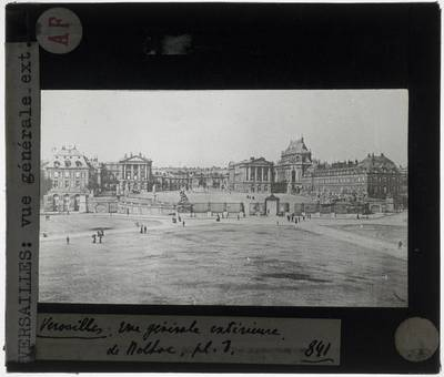 Versailles. Château de Versailles :Exterieur: Algemeen zicht op de voorgevel
