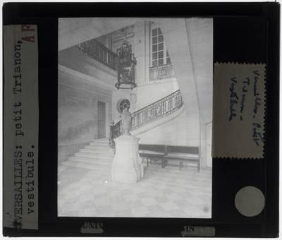 Versailles. Petit Trianon :Interieur: Vestibule