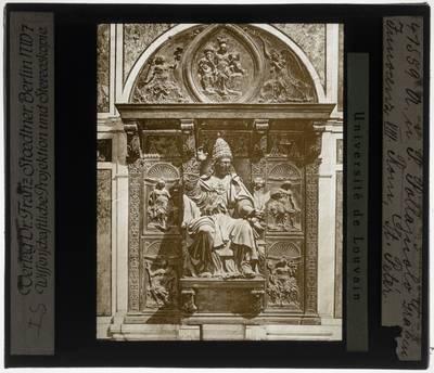 Antonio Pollaiuolo. Grafmonument van Paus Innocentius VIII :Detail: Innocentius VIII
