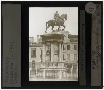 Andrea del Verrocchio. Alessandro Leopardi. Ruiterstandbeeld van Bartolomeo Colleoni :Zijaanzicht van links