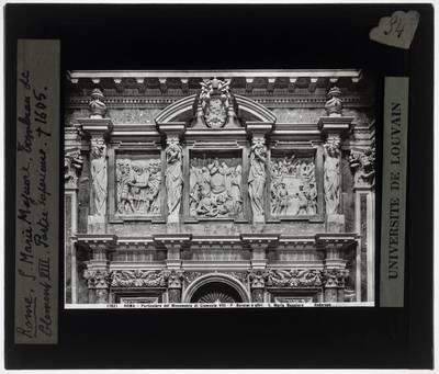 Flaminio Ponzio. Grafmonument van Paus Clemens VIII :Detail: Reliëfs bovenaan