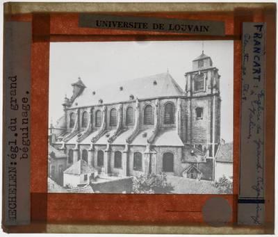 Mechelen. Kerk Sint-Alexius en Catharina :Exterieur: Zicht op de zuidelijke gevel vanuit het zuidoosten
