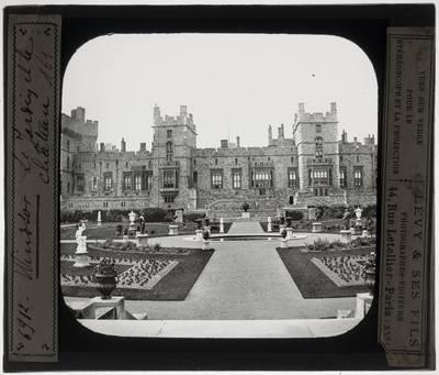 Windsor. Windsor Castle :Upper Ward met staatsievertrekken, gezien vanuit het oosten