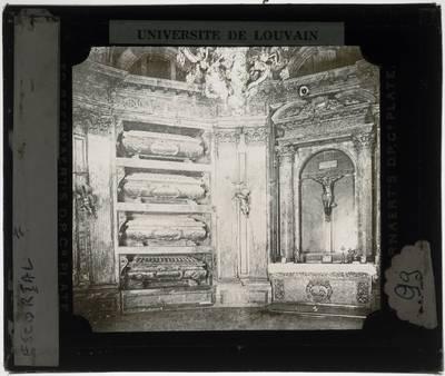 San Lorenzo de El Escorial. El Escorial :Interieur: Panteón de los Reyes