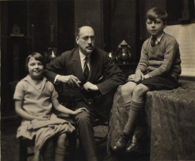 Károlyi Mihály gyermekeivel