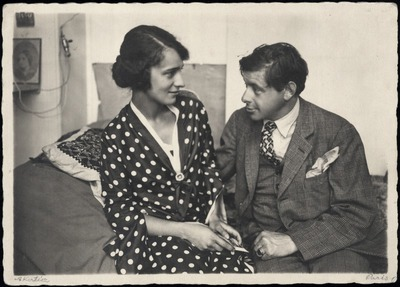 Tihanyi Lajos egy fiatal nővel