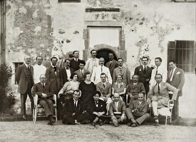 Image from object titled A marosvécsi Erdélyi Helikon íróinak 1926. évi találkozója