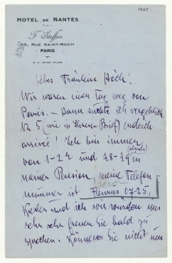 """Brief von Stefanie (Stefi) Kiesler an Hannah Höch. Paris. Briefkopf: """"HOTEL DE NANTES [...]"""" und Zusatz von Hannah Höch"""