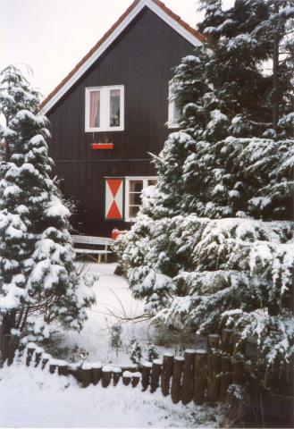 Renesse. Capelweg 18. Noorse geschenkwoning (anno 1954), bewoond door fam. Heiligers-Jansen. Thans is hier het Blikmuseum gevestigd (particuliere expositieruimte).