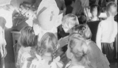 Zierikzee. Nutskleuterschool. Viering St. Nicolaasfeest.