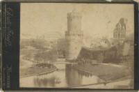 De Kruittoren met op de achtergrond de Spoorbrug