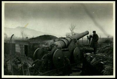 Image from object titled Un nostro cannone da marina su carrello a rotaie