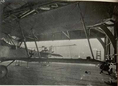 Image from object titled Hangar der 16. Fliegerkompagnie am Flugplatze in Villach. Aufgenommen am 11. Juli 1916.