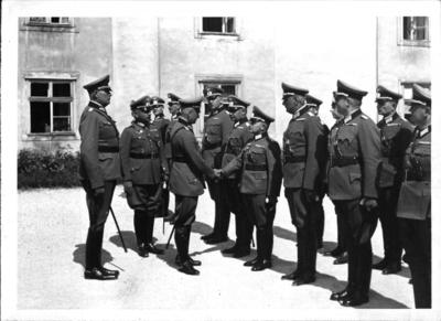 Image from object titled Generaloberst von Brauchitsch besichtigt die Theresianische Militärakademie in Wiener Neustadt